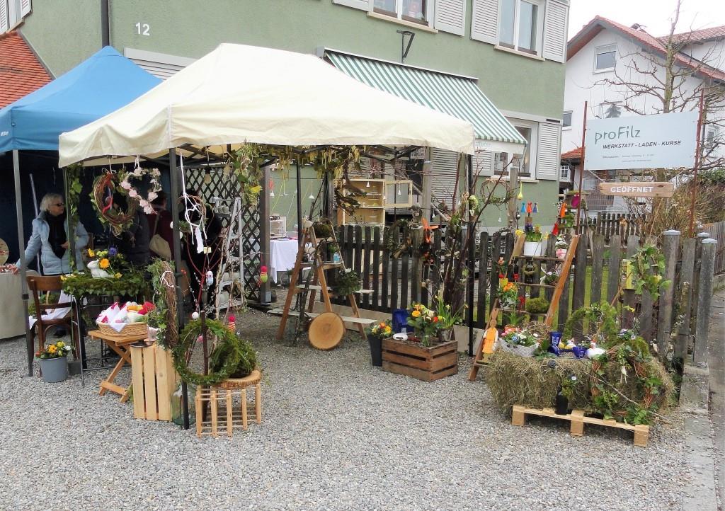 Floristik von Erika Platzek begrüßt unsere Besucher